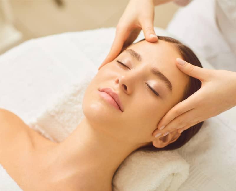 Gesichtsbehandlung - Pampering Beauty Treatment