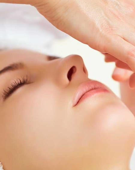 Gesichtsbehandlung - Luxury Beauty Treatment